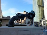 Non-Violence_sculpture_in_front_of_UN_headquarters_NY